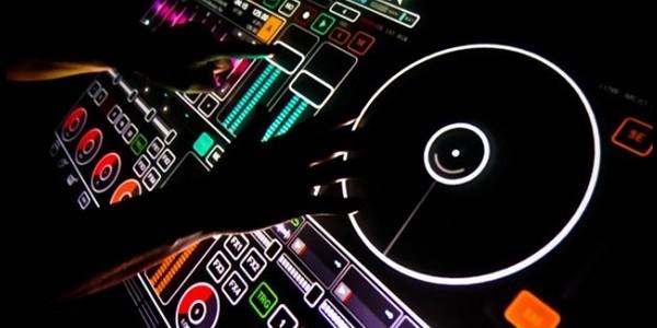 table-de-mixage-emulator-1.5-par-smithson-martin