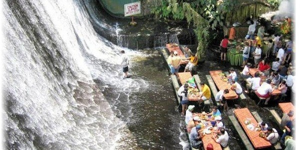 restaurant-labassin-waterfall