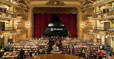 Al Ateneo, théâtre de Buenos Aires transformé en librairie