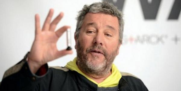 wahh, un spray alcoolisé imaginé par Philippe Starck