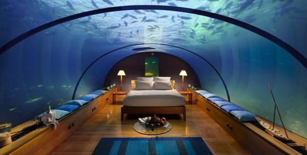 un hotel construit sous la mer