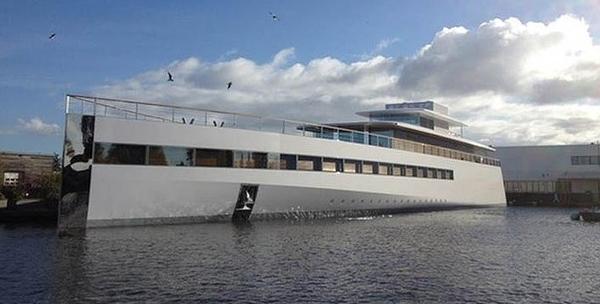 yacht de luxe de Philippe Starck pour Steve Jobs