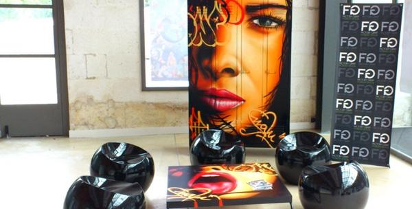 meubles contemporains graffés