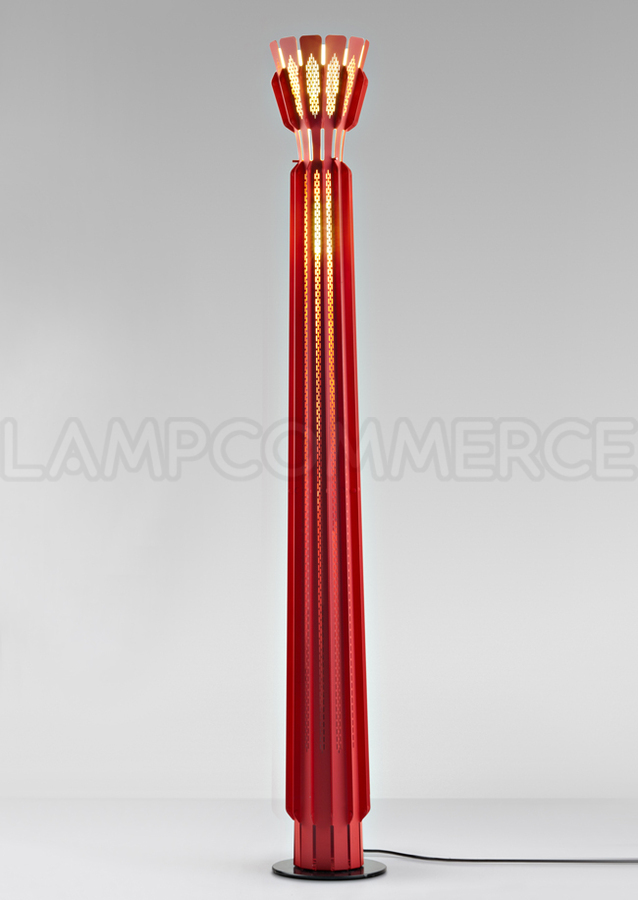 lampadaire rouge