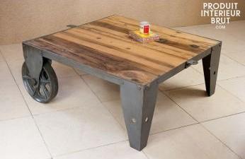 table basse avec roues