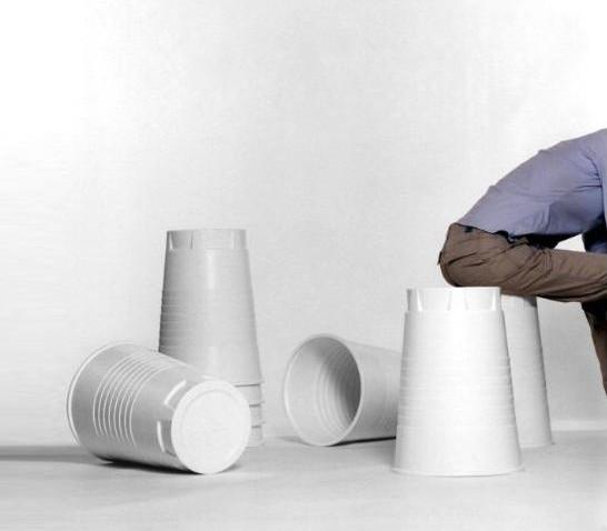 gobelet en plastique géant