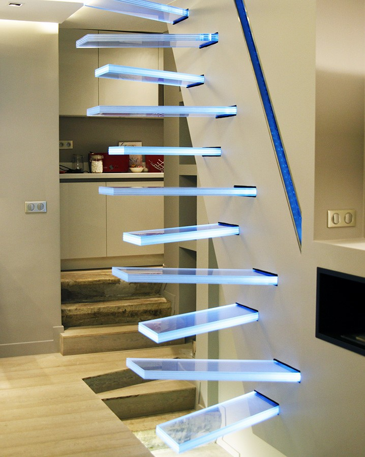 l 39 escalier au centre de la d co mon coin design. Black Bedroom Furniture Sets. Home Design Ideas