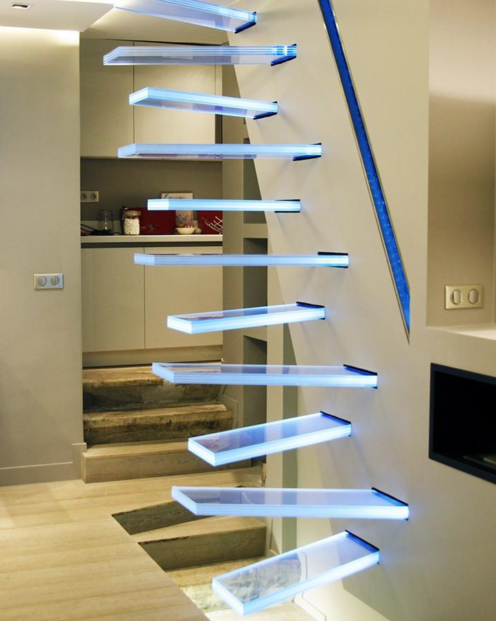 nettoyer un escalier en verre