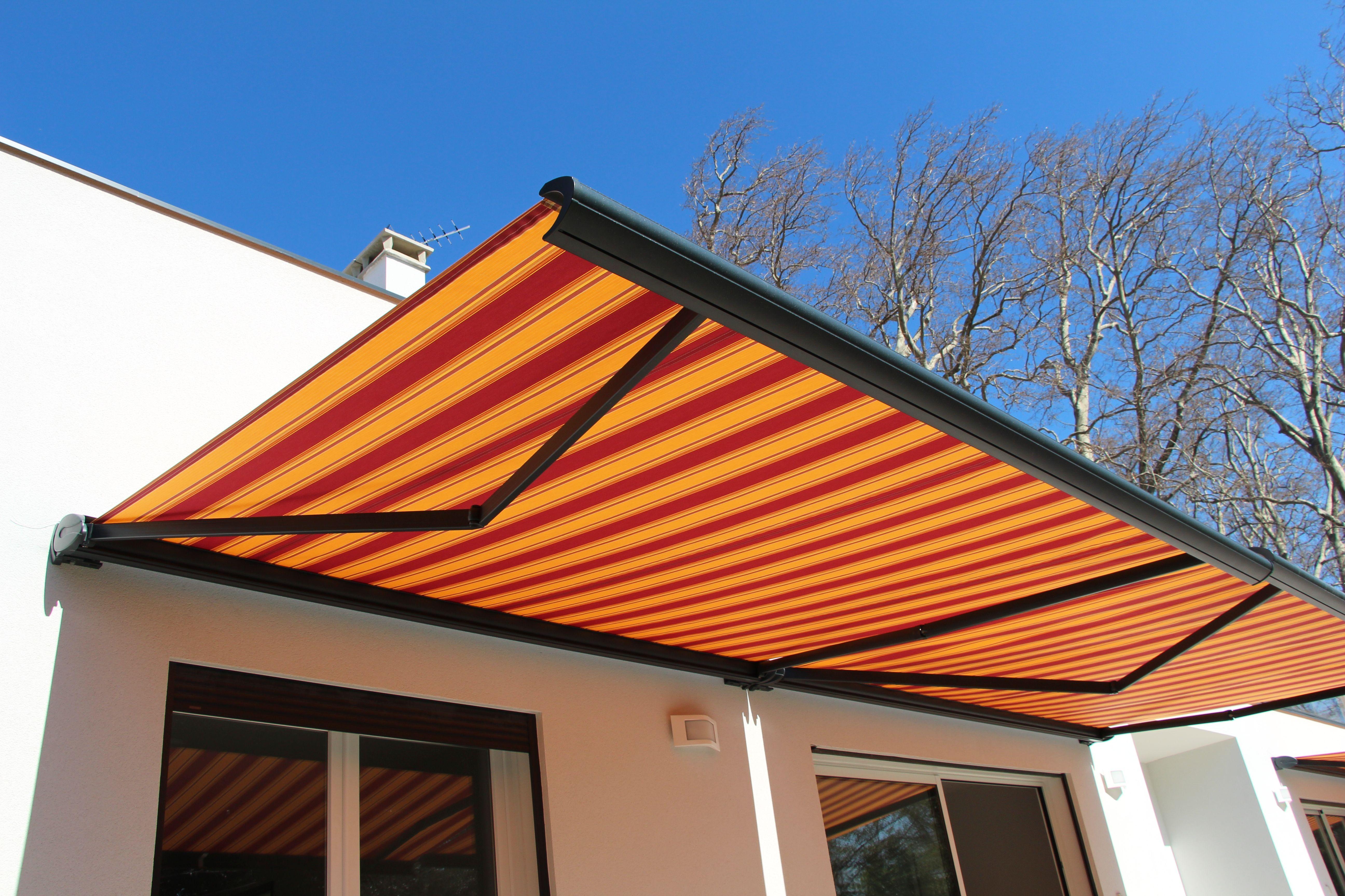 le store banne une protection solaire qui embellit votre terrassemon coin design. Black Bedroom Furniture Sets. Home Design Ideas